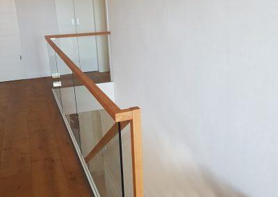 Treppen mit Glasgeländer