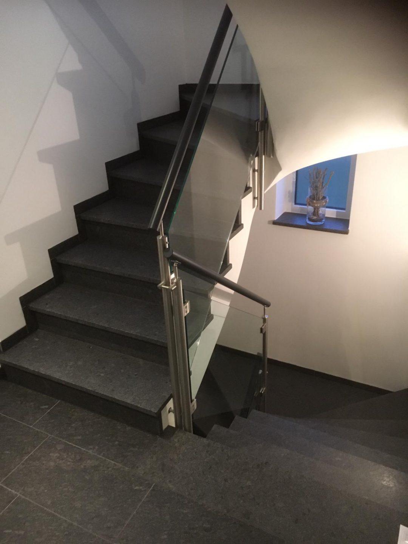 Treppengeländer Edelstahl-Glas