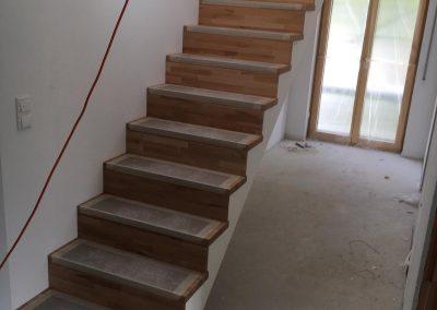 Aufgesattelte Treppen